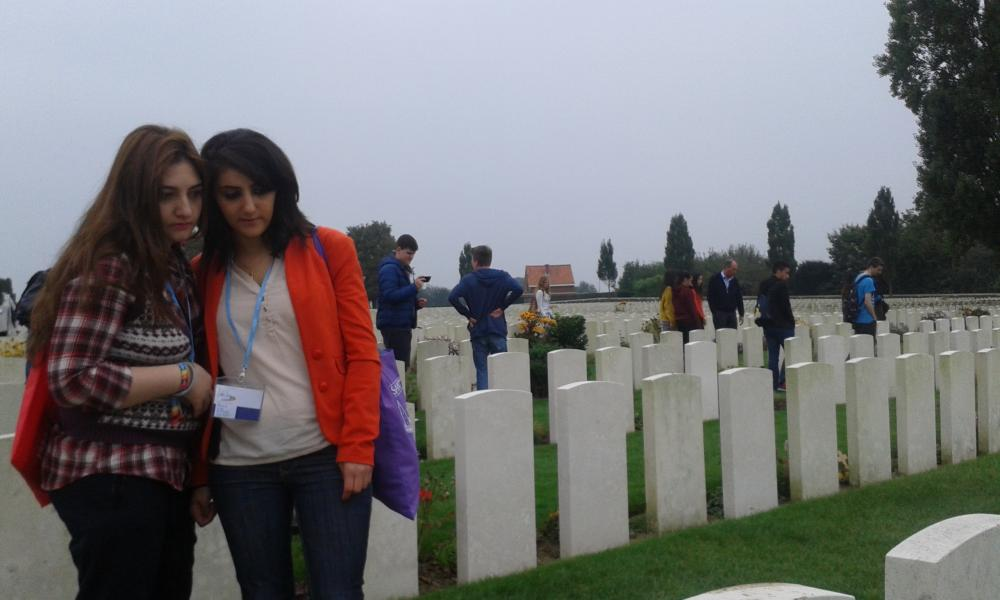 Youth from all over Europe visiting the war cemetery of Tyne Cot near Ypres, the front line of World War 1 #peaceisthefuture